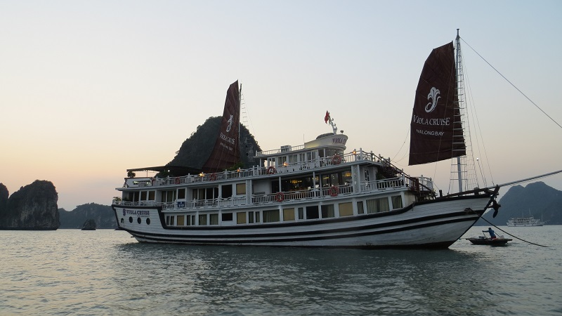 Halong Bay – Viola Cruise at the Bay of Descending Dragon